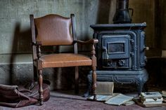 Free stock photos from Paul Morris. All photos are free from copyright restrictions - no attribution required. Paper Book, Old Paper, Old Furniture, Recycled Furniture, Reading Stations, Free Stock Photos, Clean House, Make Money Online, Home Improvement