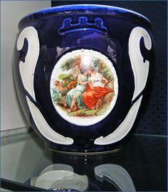 Hungarikumok - Hollóházi porcelán. Hungary Hungary, Art Deco, Ornaments, Mugs, Tableware, Vases, Dinnerware, Tumblers, Tablewares