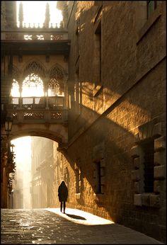 Morgens in Barcelona; photograph by    Jan Geerk. Barcelona, Spain.