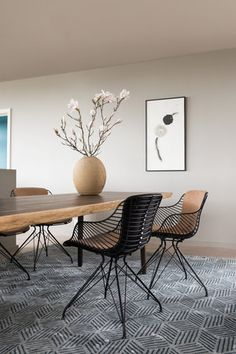 Two Tone Wire Dining Chairs in Black and Sand leather by Danish furniture maker Overgaard & Dyrman. Rug by Knothouse. Unique Furniture, Contemporary Furniture, Furniture Design, Danish Furniture, Furniture Chairs, Folding Chair Makeover, Wire Dining Chairs, Dining Area, Dining Table