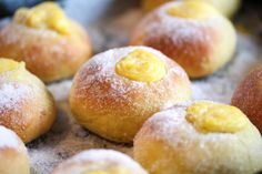 Safranboller med vaniljekrem Donut Recipes, Cake Recipes, Christmas Sweets, Marzipan, No Bake Cake, Doughnut, Feta, Donuts, Nom Nom