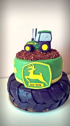 John Deere cake Raspberry-coconut, blueberry-wanilia cream. https://www.facebook.com/Karmelkowy-zakątek-Z-pasji-do-wypieków-Cake-passion-1844109082573556/?ref=bookmarks