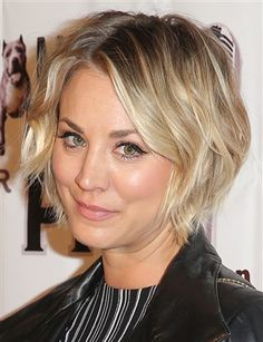 evolution glamour kaley cuoco pixie hair grew see how she out her Kaley Cuoco Hair Evolution See How She Grew Out Her Pixie GlamourYou can find Growing out hair and more on our website Growing Out Short Hair Styles, Growing Out Hair, Grow Hair, Curly Hair Styles, Growing Out Pixie Cut, Short Hair Cuts For Women, Short Hairstyles For Women, Short Haircuts, Hairstyles 2016