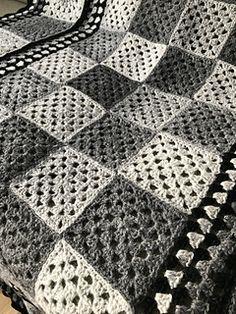 Rauma Finullgarn + Kauni All grey parts are Kauni, black is Rauma Finull. Ravelry, Knit Crochet, Quilts, Blanket, Knitting, Tricot, Quilt Sets, Cast On Knitting, Crochet