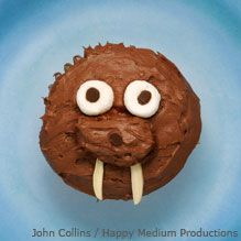 Walrus Cupcakes -- There's nothing chilly about these chocolate walrus cupcakes!