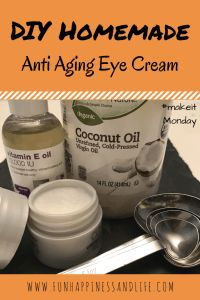 Homemade anti-aging eye cream can help those tire mom eyes with simple ingredients of vitamin E oil and coconut oil.DIY Homemade anti-aging eye cream can help those tire mom eyes with simple ingredients of vitamin E oil and coconut oil. Creme Anti Age, Anti Aging Eye Cream, Anti Aging Tips, Best Anti Aging, Anti Aging Skin Care, Skin Care Routine For 20s, Skin Routine, Skincare Routine, Tired Mom