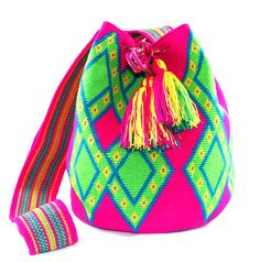 One of a Kind Nativo Style XLarge Peace Wayuu Mochila-bag 1 strand handwoven in Colombia by the women of the wayuu indigenous tribe. Tapestry Crochet, Crochet Motif, Crochet Baby, Crochet Patterns, Mochila Crochet, Boho Bags, Discount Handbags, Crochet Fashion, Small Bags