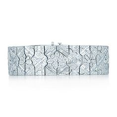 Diamond floral bracelet in platinum.