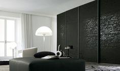 armoire de rangement noire avec portes coulissantes