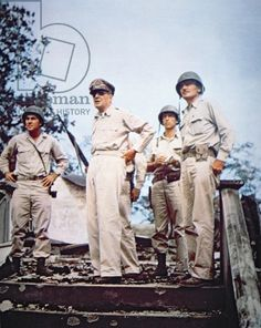 General Douglas MacArthur returns to the Philippines with the US landing at Leyte, October 1944 (photo)