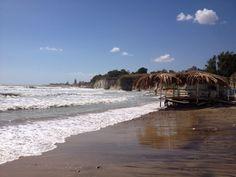 """Siculiana-Giallonardo (AG) - Il mare agitato aggredisce la costa """"africana"""" della Sicilia - The sea attacks the """"african"""" coast of Sicily."""
