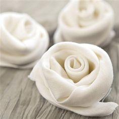 A great wedding decoration idea, napkin roses
