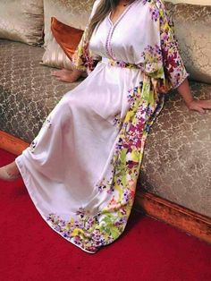 Hijab Fashion Selection of over 100 looks in trendy and chic Abaya Hijab Fashion 2017, Abaya Fashion, Fashion Outfits, Short African Dresses, African Fashion Dresses, Mode Abaya, Moroccan Dress, Caftan Dress, Traditional Fashion