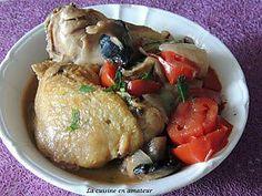 La meilleure recette de Poulet façon marengo! L'essayer, c'est l'adopter! 5.0/5 (6 votes), 12 Commentaires. Ingrédients: 4 cuisses de poulet 4 tomates 250 g de champignons de Paris frais 2 oignons blancs 2 gousses d'ail 200 ml de vin blanc 3 c. à café de fond de veau 300 ml d'eau 1 bouquet de persil 1 c. à soupe de farine 4 c. à soupe d'huile d'olive Sel Poivre du moulin