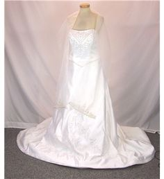 Mori Lee by Madeline Gardner - Size: US 12 / UK 14 / EUR 42 - White - Strapless wedding dress | Oxfam GB | Oxfam's Online Shop
