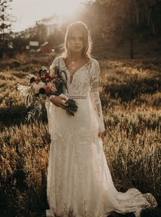 hippie wedding dress 277745502008594135 - Rocky Mountain Bohemian Inspiration Shoot in Vail, CO Western Wedding Dresses, Elegant Wedding Gowns, Backless Wedding, Bohemian Wedding Dresses, White Wedding Dresses, Bridal Dresses, Bohemian Weddings, Country Weddings, Indian Weddings