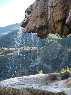 Fontaine pétrifiante réotier hautes-alpes 05
