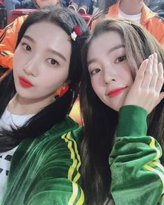 Criss Hallyu: Red Velvet ( : Selfies Part 121 Seulgi, Irene Red Velvet, Red Velvet Joy, Kpop Girl Groups, Korean Girl Groups, Kpop Girls, Park Sooyoung, Snsd, Kim Yerim