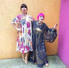 A stylist Grace Woodward com a estilista que fez seu vestido, a super Zandra Rhodes