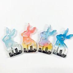 WEBSTA @ chiffongirl - ウサギブローチ在庫各1個ずつ販売中です!¥1.000…