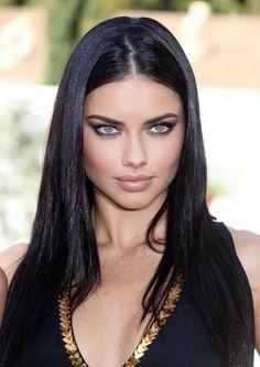 Beautiful Models, Beautiful People, Beautiful Women, Adriana Lima Hair, Adriana Lima Wallpaper, Megan Fox Style, Blue Black Hair Color, Babe, Gal Gadot Wonder Woman