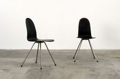 Tongue Chairs - Arne Jacobsen, Howe