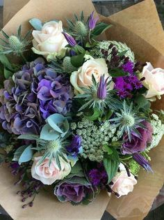 Oh my gosh, I want these flowers!!