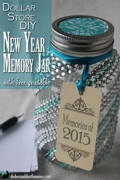 memory jar is a great way to save those precious and memorable times throughout the year! Free printable also included!A memory jar is a great way to save those precious and memorable times throughout the year! Free printable also included! Mason Jar Projects, Mason Jar Crafts, Mason Jar Diy, Colored Mason Jars, New Year's Crafts, Fun Crafts, Dollar Store Crafts, Dollar Stores, Craft Gifts
