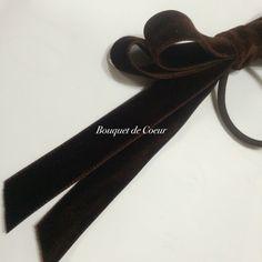 ハンドメイド   ベルベットロングリボンのヘアゴム♡ ブラウン  http://s.ameblo.jp/bouquet-de-coeur/  Handmade brown velvet long ribbon hair accessory.