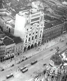 Calle de Alcalá - Edificio Metrópolis, Portal Fuenterrebollo
