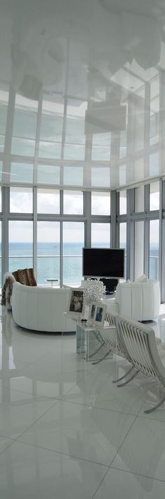 Sun in your eyes use the electronic $70,000 shade system to keep out the Sun Sun over the top highrise condo