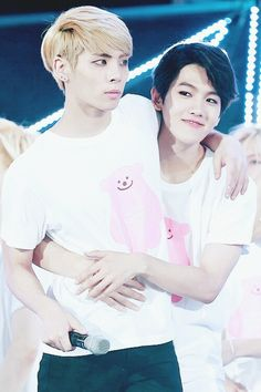 SHINee Jonghyun x Baekhyun - SMTOWN Live in Seoul #140815