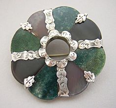 VICTORIAN SCOTTISH SILVER AGATE RING BROOCH