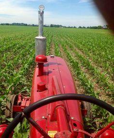 FARMALL 400 Tractor Mower, Red Tractor, International Tractors, International Harvester, Antique Tractors, Vintage Tractors, Farmall Super M, Farming Life, Farmall Tractors