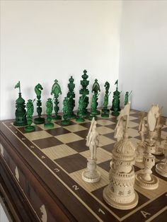Diy Chess Set, Chess Sets, Chess Pieces, Game Pieces, Art Through The Ages, Set Game, World Cultures, Chess Boards, Wood Carving