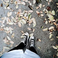 Vương Tử Phong Vintage Flowers Wallpaper, Creative Shoes, Face Photo, Ulzzang Girl, Girly Things, Cool Pictures, Photoshop, Nature, Outfit