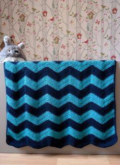 Crochet chevron blanket - To try ✂️ Chevrons Au Crochet, Plaid Au Crochet, Christmas Crochet Blanket, Crochet Tutu, Crochet Cross, Crochet Poncho, Crochet Home, Crochet Motif, Crochet Stitches
