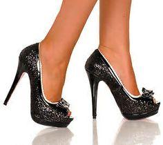 Black peep toe pump