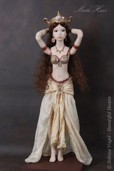 Mata Hari - Sabine Vogel 's Beautiful Beast