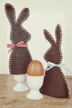 We have an easy Easter sewing project for your sweet bunnies this year: bunny ears headbands made with soft pastel linen. Perfect in a basket surrounded by eggs and chocolate. And just in time for those Easter photos. Bunny Ears Headband, Ear Headbands, Mermaid Invitations, Easter Traditions, Textiles, Felt Diy, Easter Crafts, Sewing Projects, Holiday
