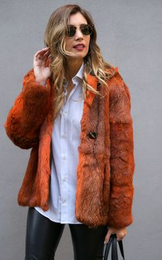 http://stylelovely.com/themidniteblues/2014/12/01/fur-is-back/ fur, coat, piel, abrigo, orange, kate moss, leather, pants, uterque, romwe, vintage, second hand, curls, hairdo, peinado, blonde, rubia, model fit, girl, healthy, body, fall, look, lookbook, street style, style, estilo, moda, ootd, outfit, fashion, blog, blogger, spain, barcelona, bologna, italy, wiw, trend, tendencia, mercedes maya