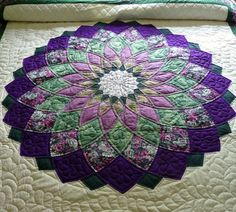 Giant Dahlia Amish Quilt by QuiltsByAmishSpirit on Etsy