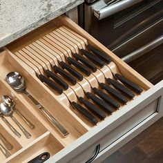 Awesome modern kitchen room are offered on our site. Read more and you wont be sorry you did. Kitchen Drawer Organization, Diy Kitchen Storage, Kitchen Drawers, Home Decor Kitchen, Rustic Kitchen, Kitchen Furniture, New Kitchen, Kitchen Design, Cabinet Organizers
