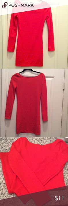 Red long sleeve dress 👗 H&M size 8. Textured material. Slight off he shoulder fit. Appropriate for work or play, I'm above average height and it isn't too short for work. Be cute with tights! Worn a couple times but in excellent condition no wear and tear. Co,parable to a Medium fit H&M Dresses Long Sleeve