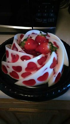 Jelly Desserts, Fancy Desserts, Just Desserts, Delicious Desserts, Yummy Food, Gelatin Recipes, Jello Recipes, Jello Cake, Creative Food