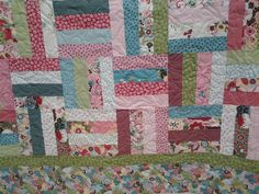 Quilted4You: Amandas quilt for daughter Claire - very fun fabrics! #quilting #longarm