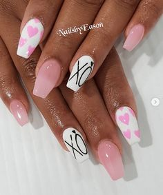 Beautiful Valentines Day nail designs to give you ideas on how to get your fingers ready for romance. Easy nail design ideas for Valentines Day. Heart Nail Designs, Valentine's Day Nail Designs, Cute Acrylic Nail Designs, Best Acrylic Nails, Simple Nail Designs, Art Designs, Design Ideas, Nails Design, Love Nails