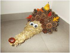 Podzimní výzdoba – ježek | Rodina21 #autumn #decoracion #diy #decoratingideas Autumn, Fall, Christmas Wreaths, Holiday Decor, Diy, Home Decor, Decoration Home, Bricolage, Room Decor