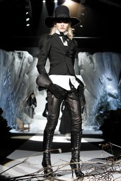 Dsquared2  Ready to Wear Fall Winter 2011 Milan Italy Catwalk Regis ColinDsquared2 Fall Winter Ready To Wear 2011 Milan