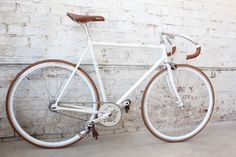 this is beautiful. i really want a road bike!